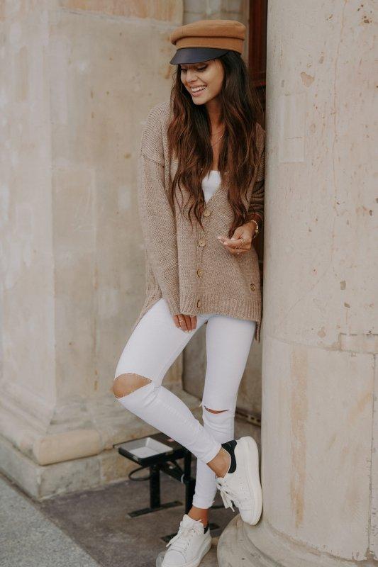 Sweter z guzikami i dłuższym tyłem - LS307-capucino -1