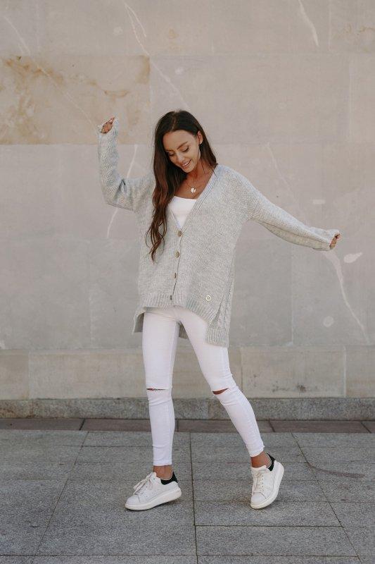 Sweter z guzikami i dłuższym tyłem - LS307- jasnoszary -3