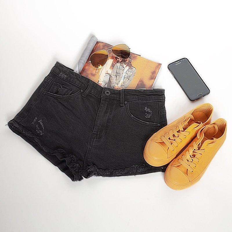 Jeansowe czarne szorty z przetarciami - Streetstyle-1