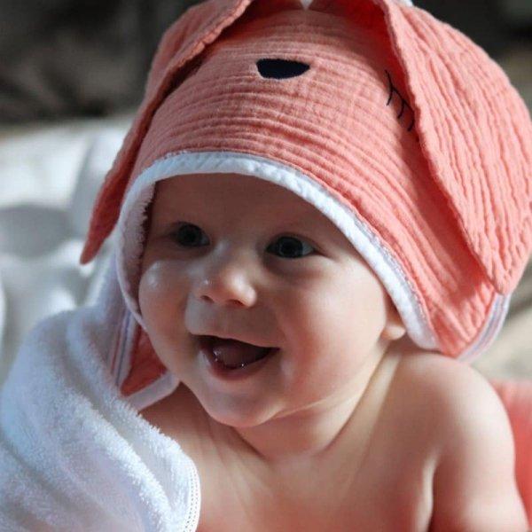 Ręcznik z kapturem dla niemowlaka śpiący króliczek w kolorze łososiowym 100/100