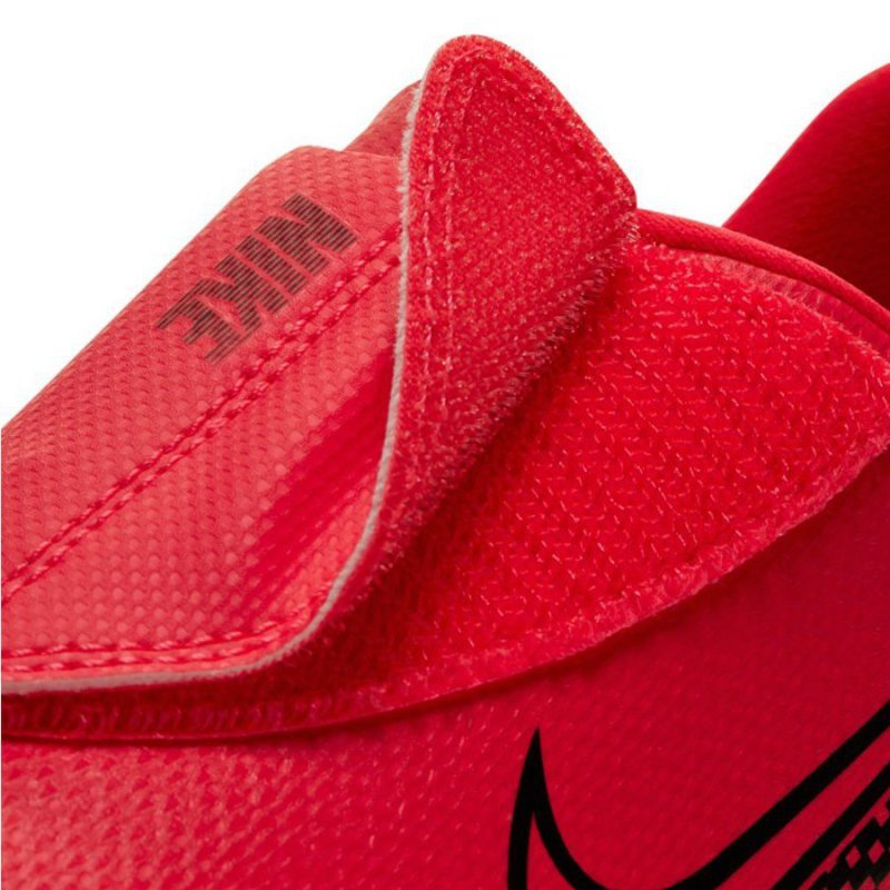 Buty Nike JR Mercurial Vapor 13 Club IC PS (V) AT8170 606 czerwony 27 1/2