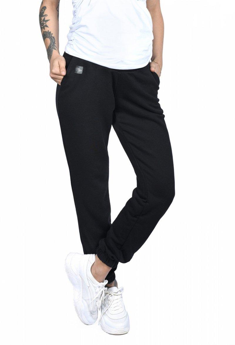 MijaCulture Wygodne spodnie dresowe ciążowe Jade M006 czarny