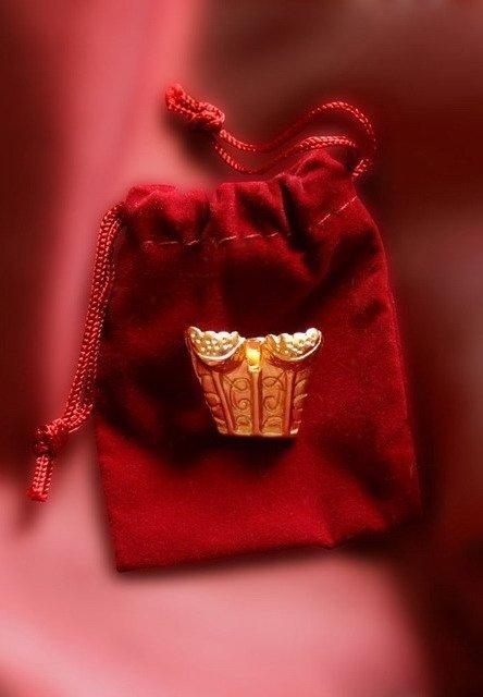 GORSET mini broszka na wkrętkę złoty