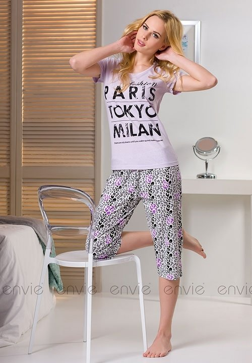CITY LILAC piżama, koszulka z krótkim rękawem i luźne spodnie capri