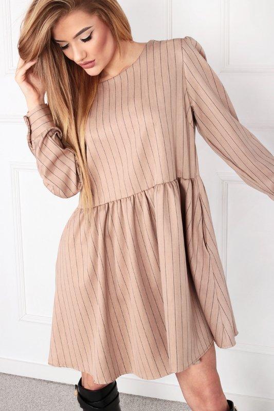 oversize'owa sukienka odcinana w pasie