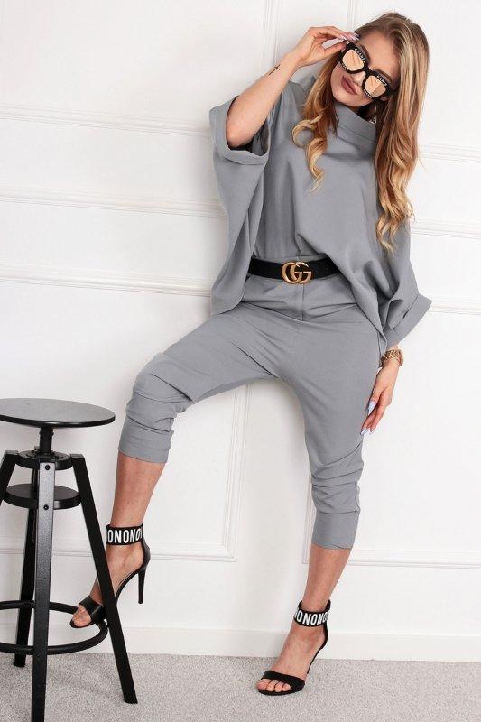 eleganckie spodnie 3/4 z wysokim stanem i marszczonymi nogawkami