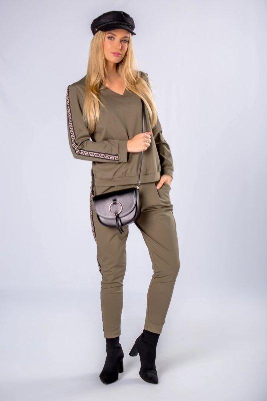 dresowe spodnie z lampasami i ściągaczem w pasie
