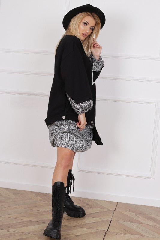 oversize'owa sukienka z łączonych materiałów z nadrukiem z przodu