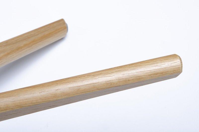 Stolik kawowy TITO miętowy - MDF, nogi dębowe