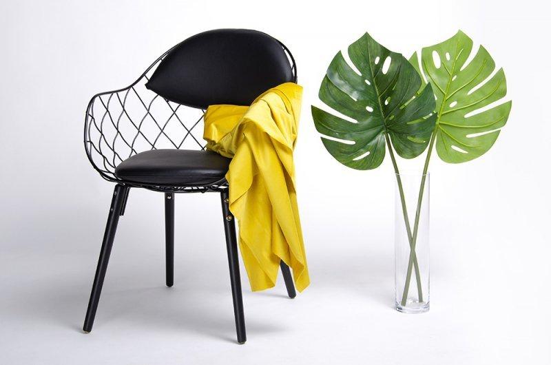 Krzesło DEMON czarne - metal, ekoskóra, podstawa drewniana