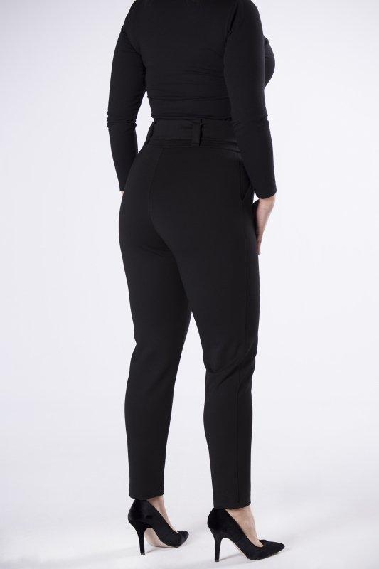 dresowe spodnie z błyszczącą aplikacją w talii