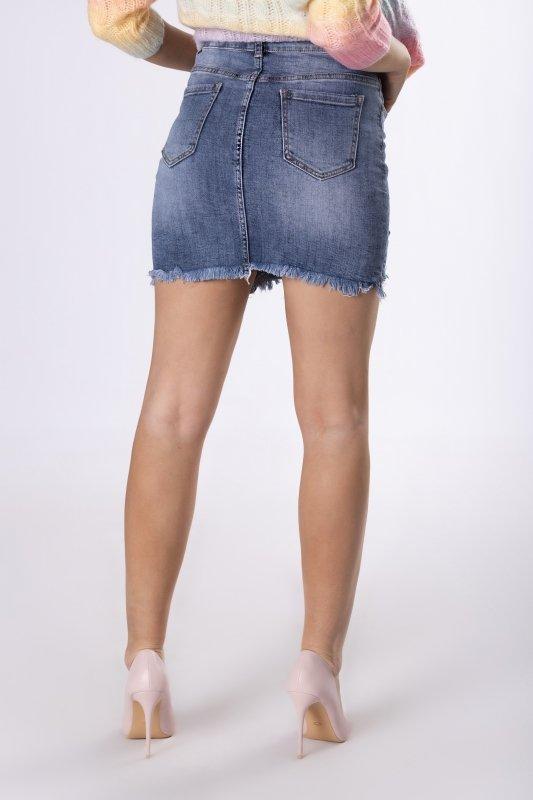 jeansowa spódniczka z wystrzępionym dołem