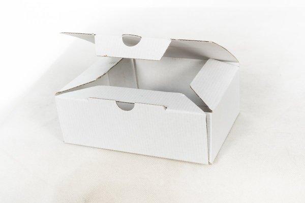 Karton 15,2x21x7,2 cm