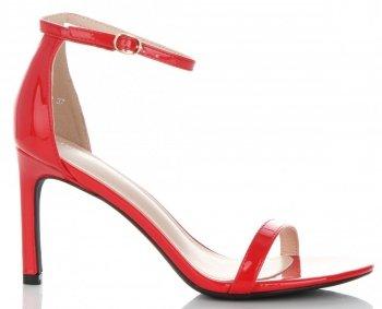 Eleganckie Lakierowane Sandały Damskie na Szpilce firmy Ideal Shoes Czerwone