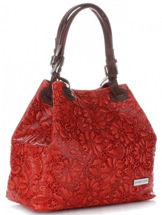 dde41e59cd692 Włoska Torebka Skórzana firmy Vittoria Gotti z tłoczonym wzorem Kwiatów  Czerwona