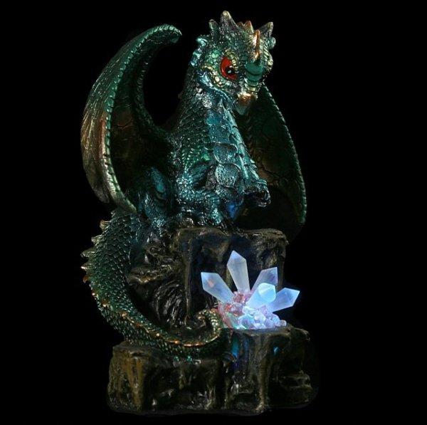 zielony smok z kryształem - figurka fantasy, smocze gadżety