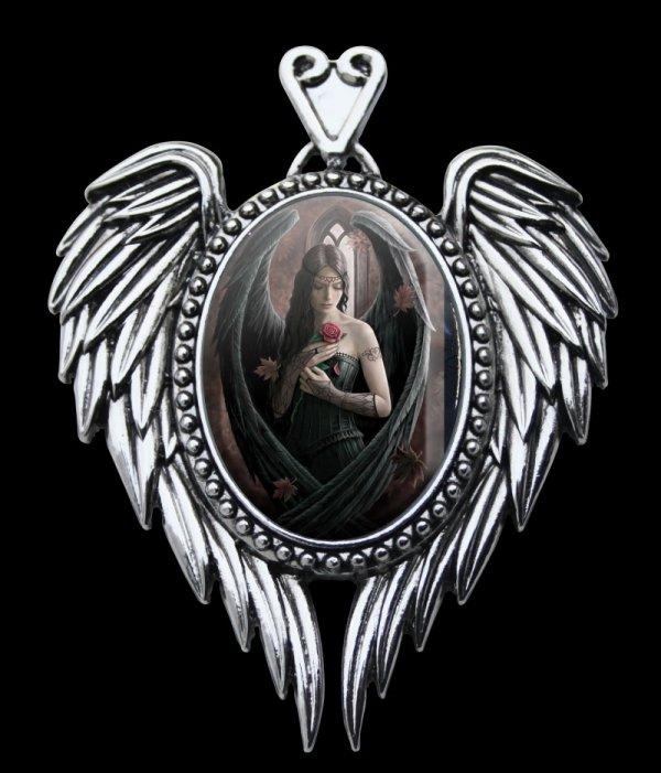 gotycka kamea z aniołem i różami - gotycka biżuteria od Anne Stokes Angel Rose