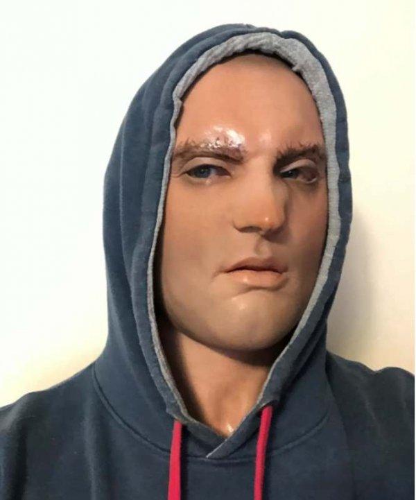 Maska lateksowa - Recydywista