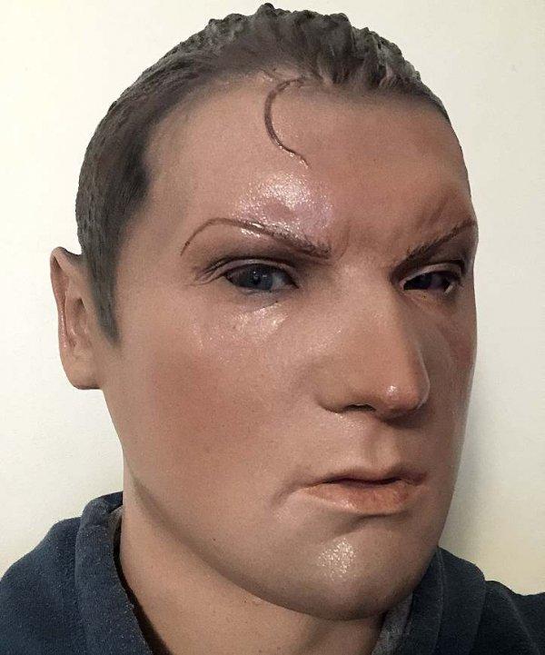 Mężczyzna Anton lateksowa twarz