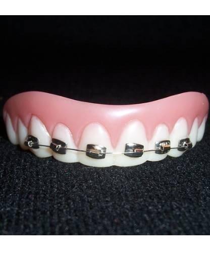 Sztuczne zęby - Brzydula