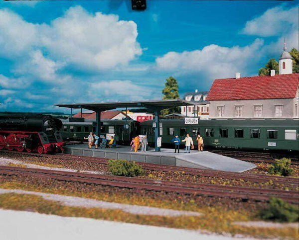 Peron kolejowy