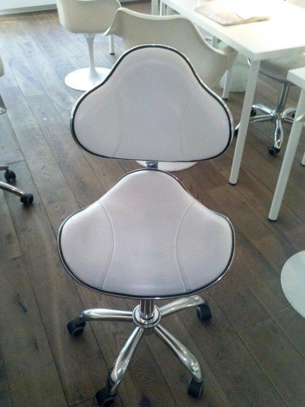 Pokrowce kosmetycznena krzesełko z oparciem IV