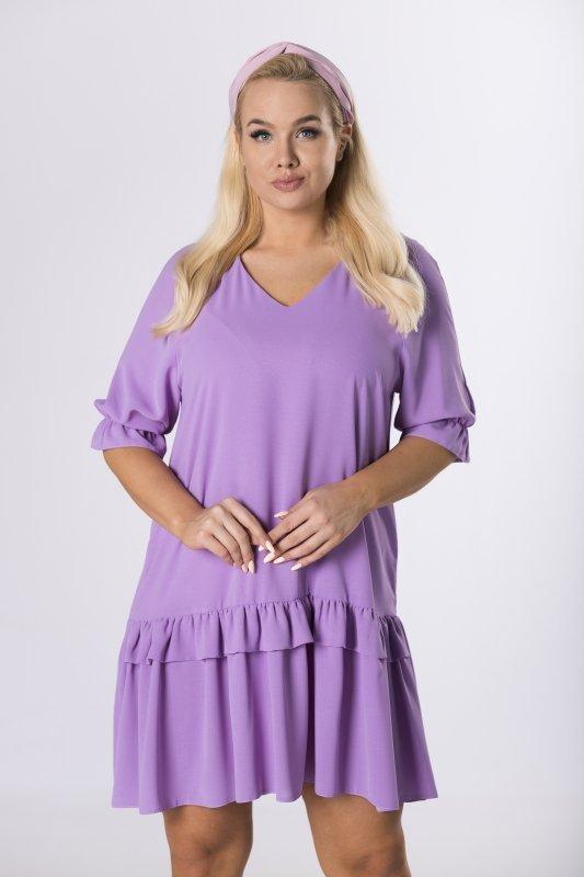 trapezowa sukienka z falbanami