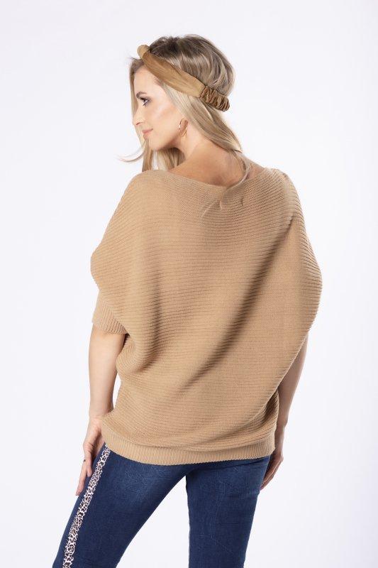 sweter z rękawami o nietoperzowym kroju