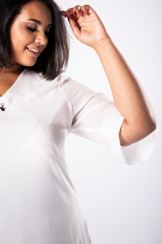 bluzka z błyszczącą aplikacją  i falbankami