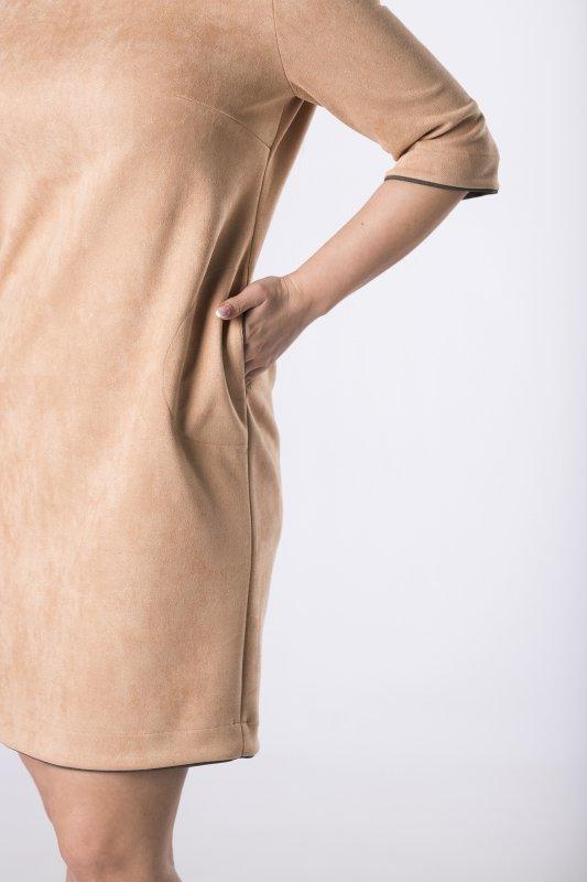 taliowana sukienka z a'la zamszu