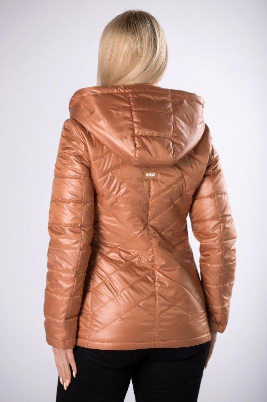 taliowana kurtka z kapturem