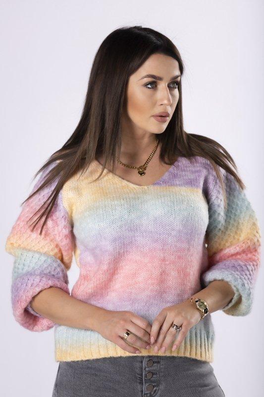 tęczowy sweter z dekoltem V