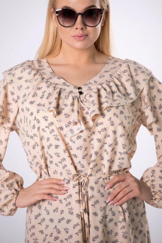 sukienka z falbaną na biuście