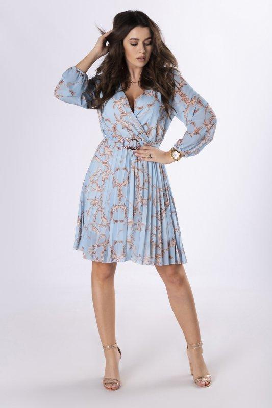 szyfonowa sukienka z plisowaniem