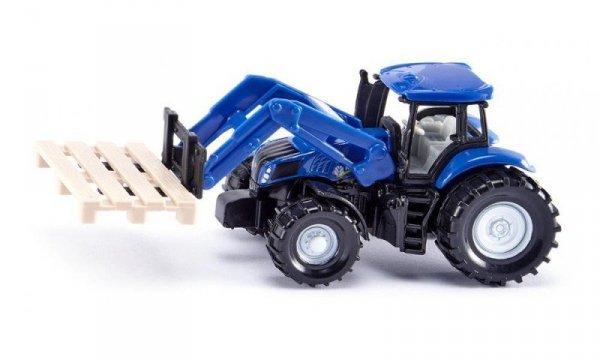 Traktor z widłami do palet