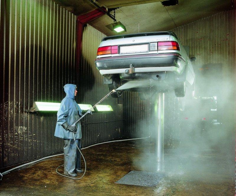Płyn do mycia silników, narzędzi, posadzek i innych powierzchni zabrudzonych tłustymi plamami i smarami - Super Motor 5L