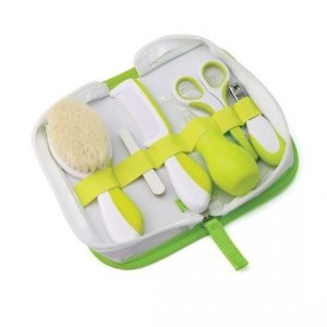 Zestaw niezbędnych akcesoriów w kosmetyczce do pielęgnacji dziecka GREEN