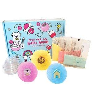 BOMB COSMETICS - Build Your Own Bath Bomb zestaw rękawiczki 1 para + pipetka + soda oczyszczona 3szt + kwas cytrynowy 3szt + foremki 6szt + dekoracje 6szt