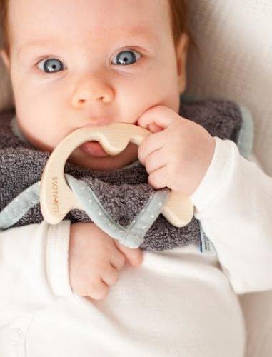 LullaLove, supeRRO Baby ECO, Śliniak z Drewnianym Gryzakiem, BŁĘKIT