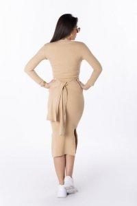 prążkowana sukienka midi z wiązaniem