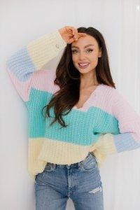 Oversizowy sweter w paski w pastelowych kolorach LS279