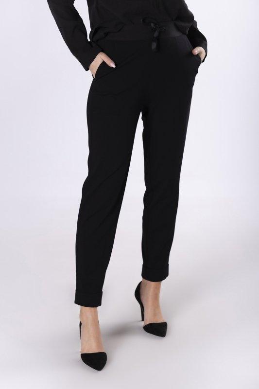 dresowe spodnie z wiązaniem