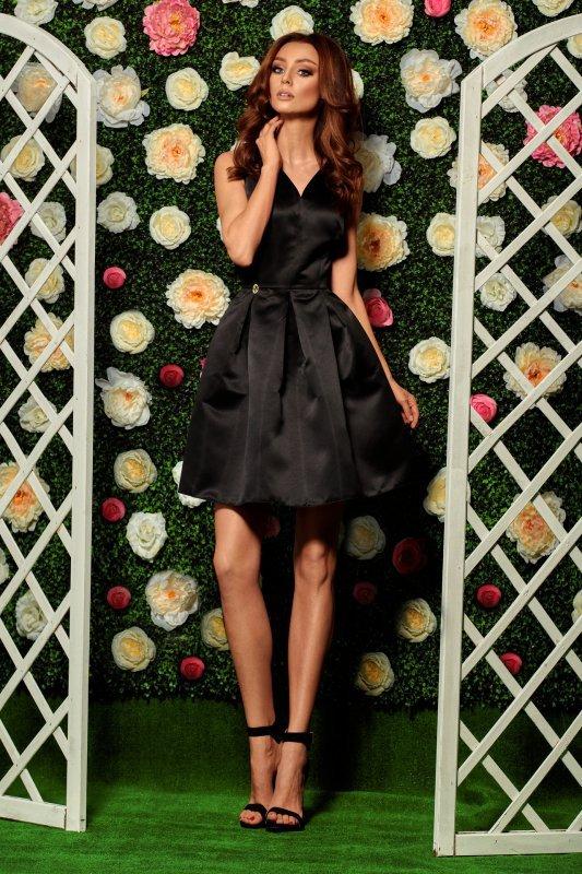 Rozkloszowana sukienka L257
