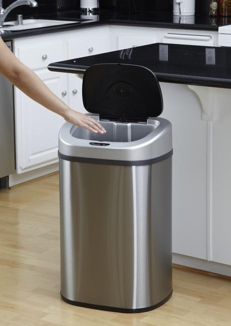 Bezdotykowy kosz na odpady 80L owalny