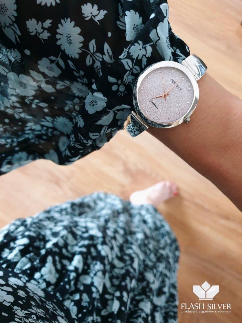 Srebrny zegarek z brokatem