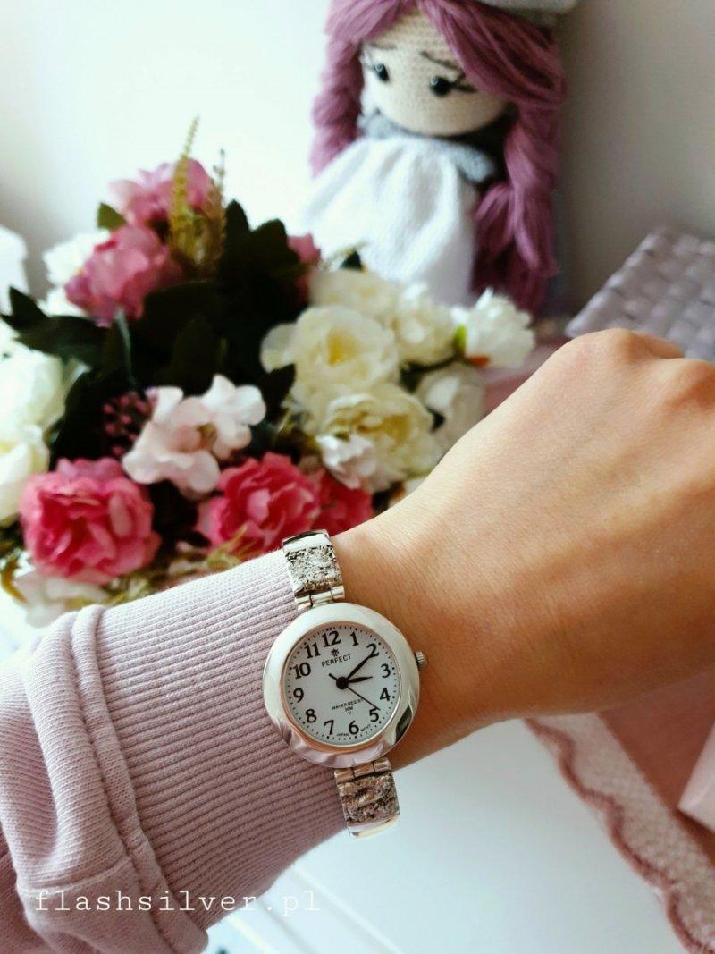 Zegarek ze srebra próby 925 ze zdobieniem
