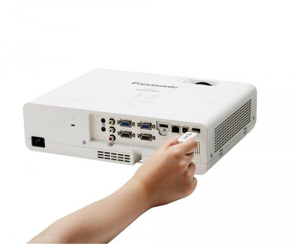 Projektor Panasonic PT-LB383 XGA 3LCD HDMI USB 3800AL