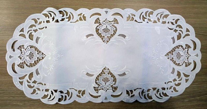 Obrus haftowany rozmiar 35x70 owal wzór 7889