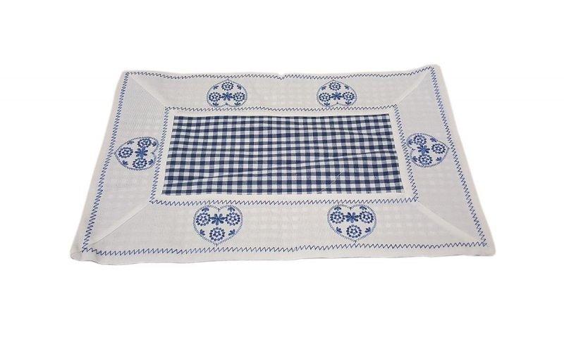Walentynkowy Ozdobny obrus haftowany rozmiar 30x45 9247 HG Kolor: biało-niebieski