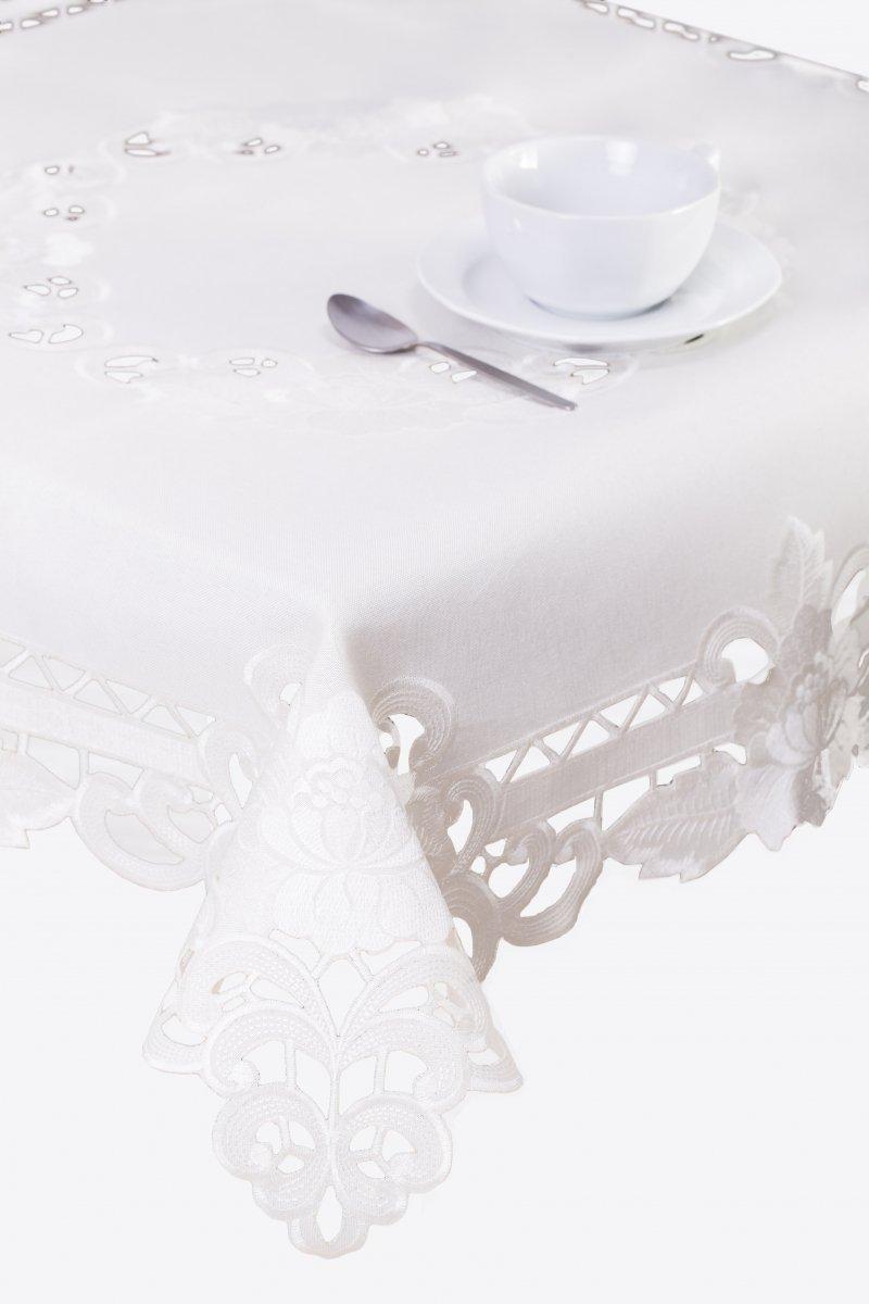 Obrus haftowany 8810/e 30x45 cm